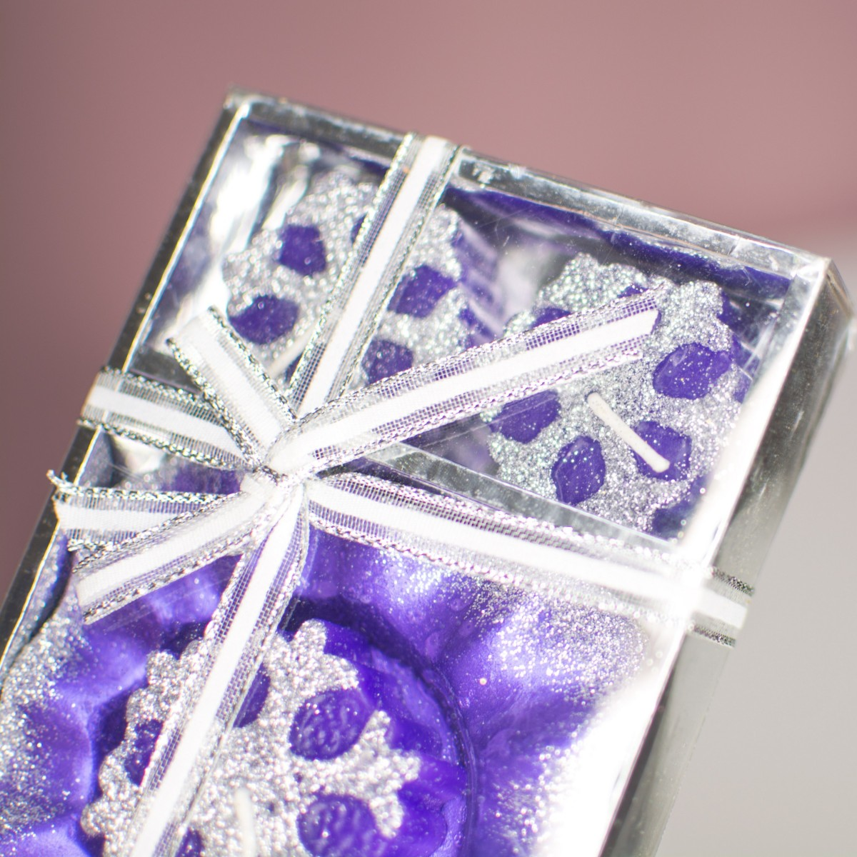 Набор фиолетовых свечей