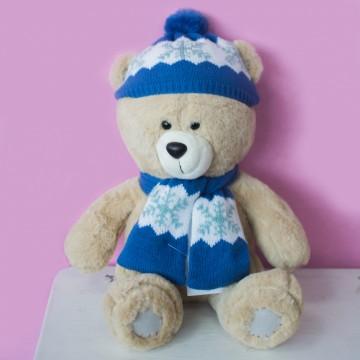 Медведь в шапке