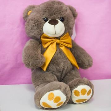 Медведь с золотым бантом