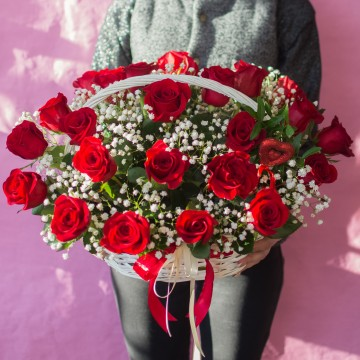 Корзина с цветами «Восторг любви»