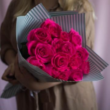 15 роз сорта Pink Floyd