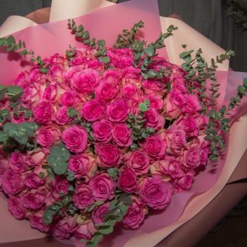 101 Роза с эвкалиптом