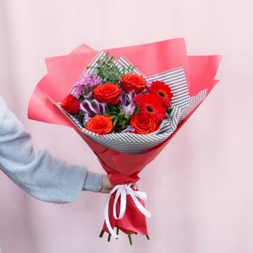 Букет с хризантемами «Пламя»